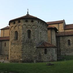 La basilica dei Santi Pietro e Paolo ad Agliate (Carate Brianza)